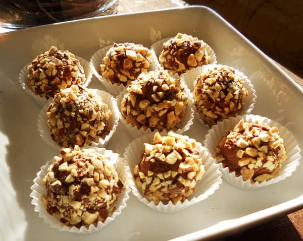 Featured Recipe: Almond Nutty Chocolate Truffles